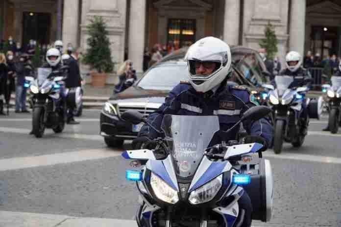 Polizia Locale scorta funerale Gigi Proietti