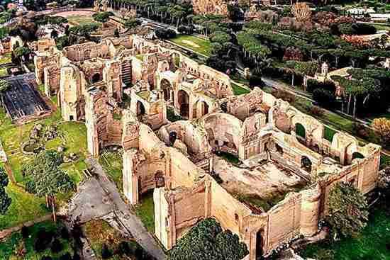 Immagine aerea delle Terme di Caracalla photo credit: romanoimpero.com