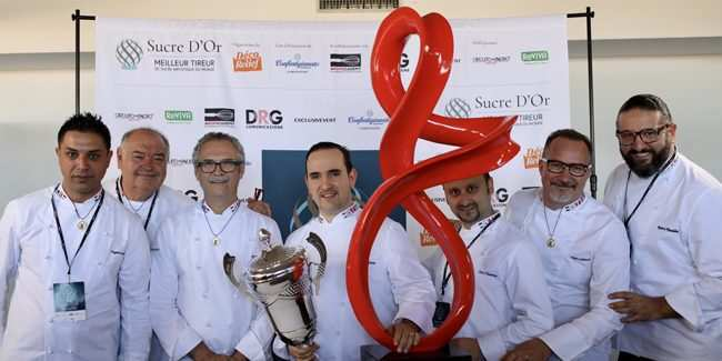 """Nella foto Davide Malizia durante la premiazione del """"Sucre D'Or""""  photo credit: sogoodmagazine.com"""