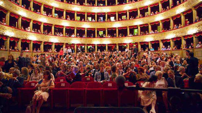 "Al teatro Argentina torna ""Luce sull'archeologia""  photo credit: romadailynews.com"