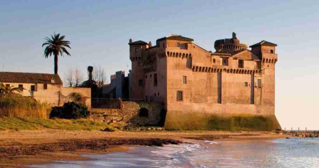 Nella foto il Castello di Santa Severa  photo credit: unospitearoma.it