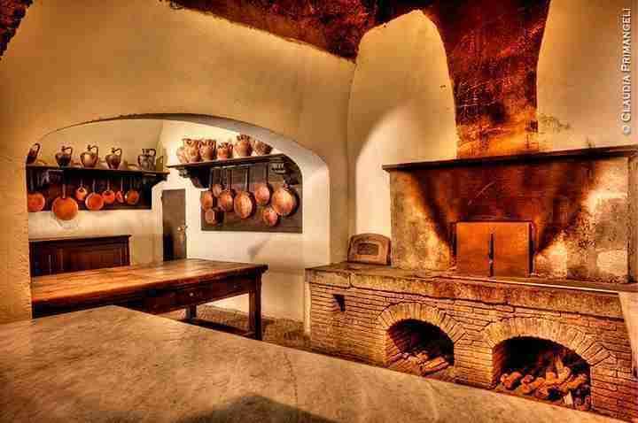 Nella foto interno delle cucine del castello Orsini-Odescalchi photo credit: odescalchi.it  ©Claudia Prima