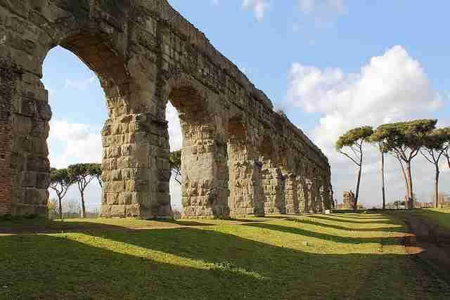 Parco degli Acquedotti: progettata la riqualificazione dell'ingresso di viale Appio Claudio