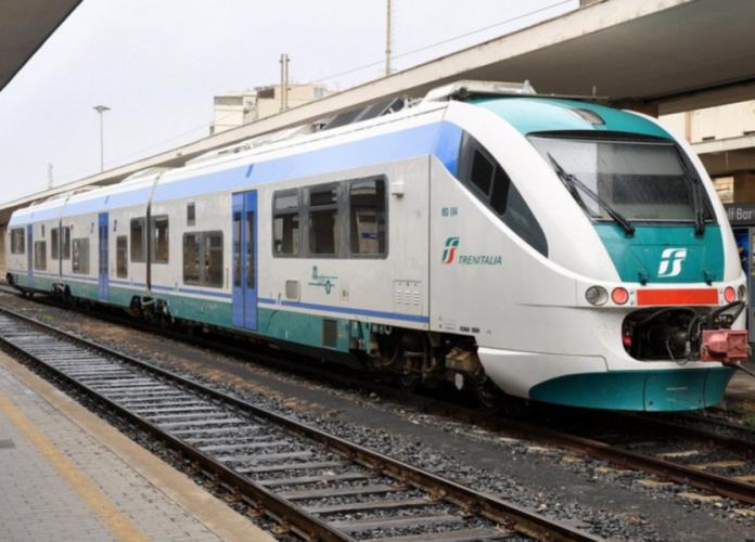 Trenitalia, Vigili del Fuoco bloccano il traffico: controlli agibilità su cavalcaferrovia
