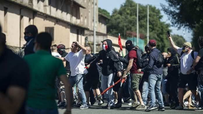 Scontri al Circo Massimo contro giornalisti e Polizia: 9 le misure cautelari