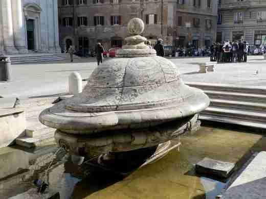 Nella foto la fontana della zuppiera   photo credit: romasegreta.it