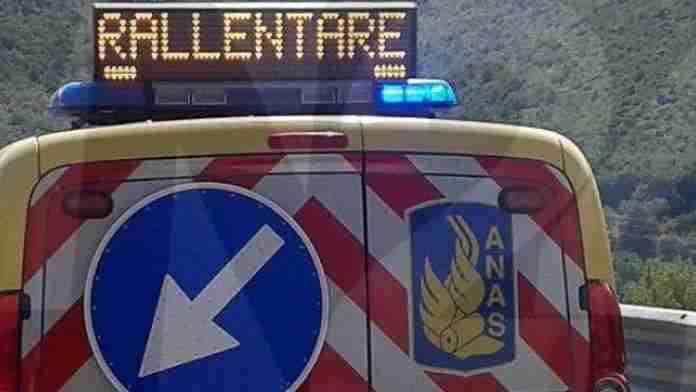 Monterotondo, incidente frontale sulla Salaria: morto un uomo